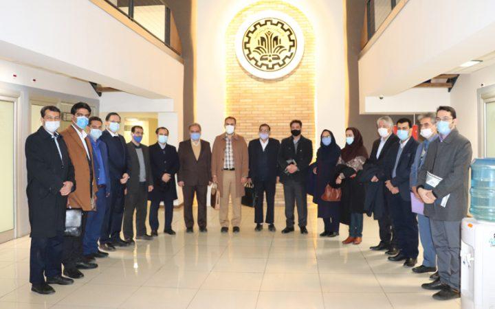 بازدید شهردار و رییس شورای شهر استان یزد از ناحیه نوآوری شریف